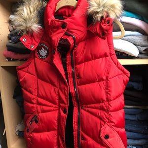 Canada WeatherGear Puffer Vest